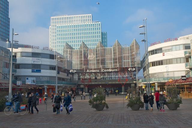 17. Almere Centrum