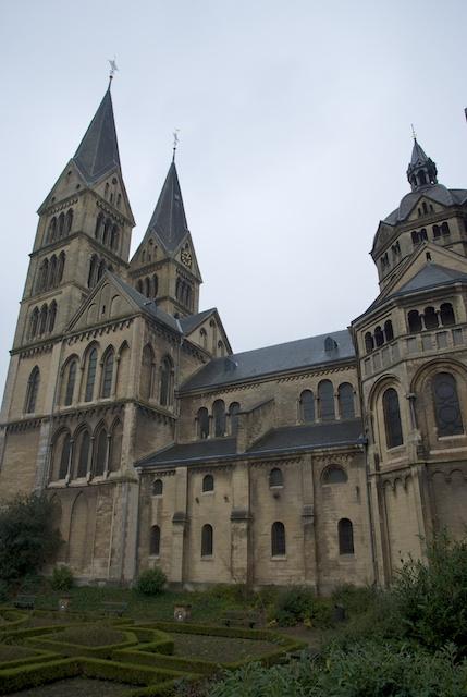 3. OL. Vrouwe Munsterkerk*