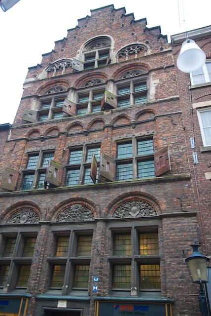 8. Koopmanshuis*