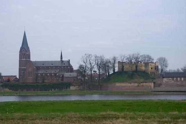 81. Kerk Kessel