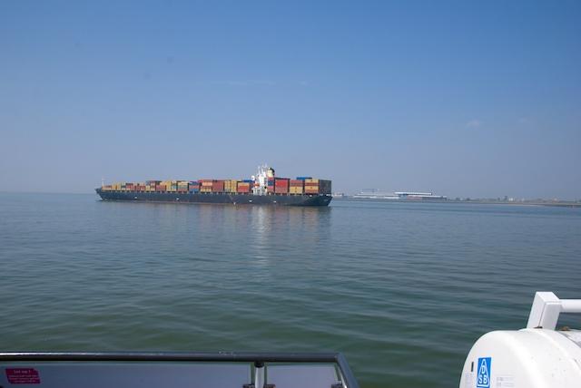 6. Containerschip