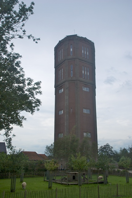 28. Watertoren*