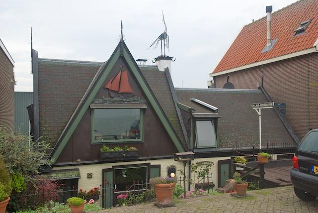 9. Volendam