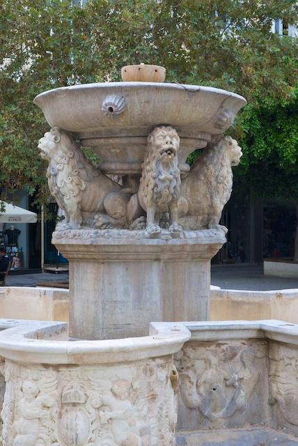22. Morozini fontein*