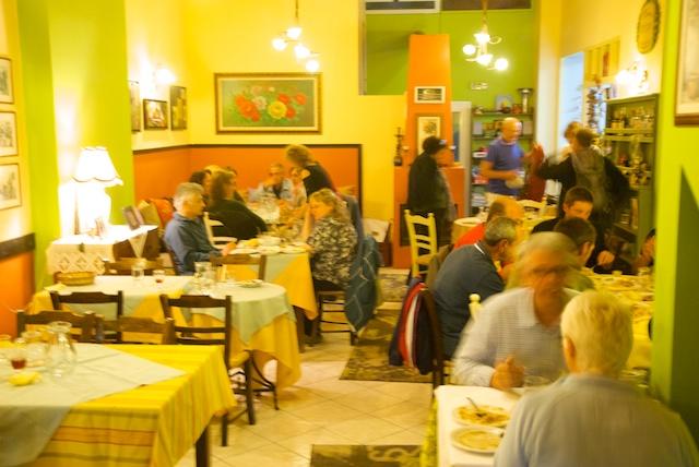 381. Restaurant