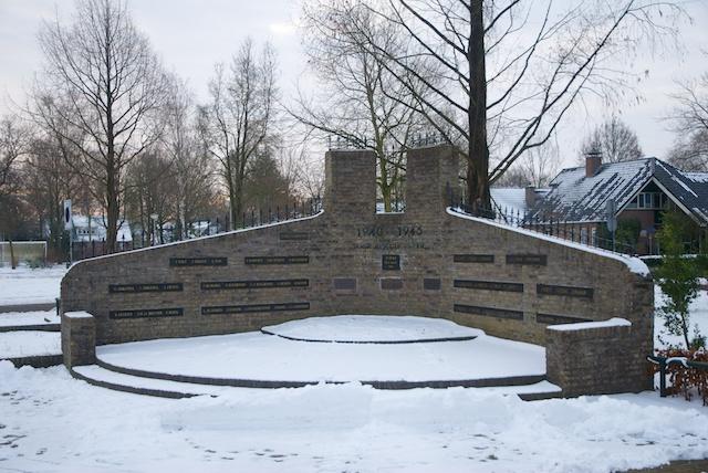 28. Monument