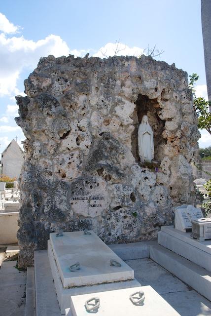 045. Cementerio