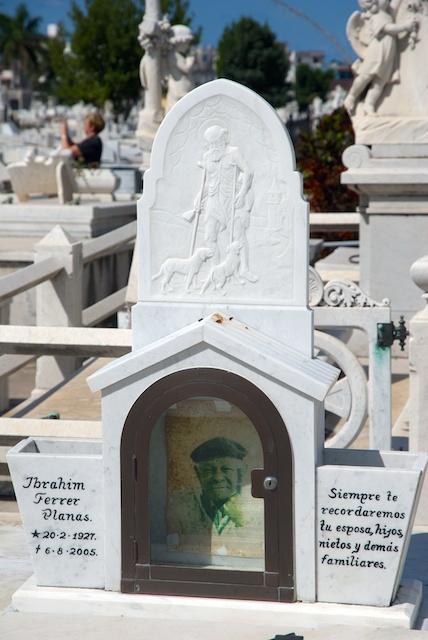 047. Cementerio