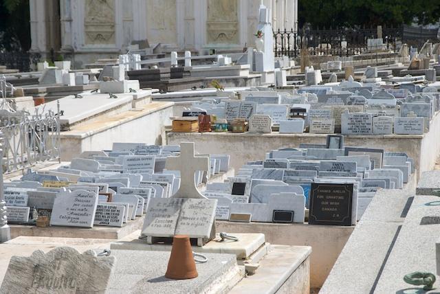 052. Cementerio