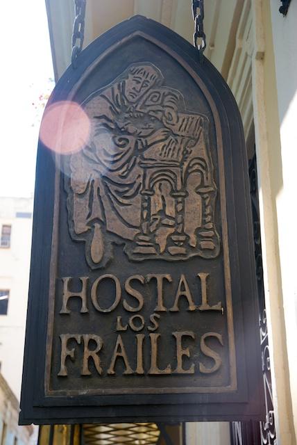 073. Hostal
