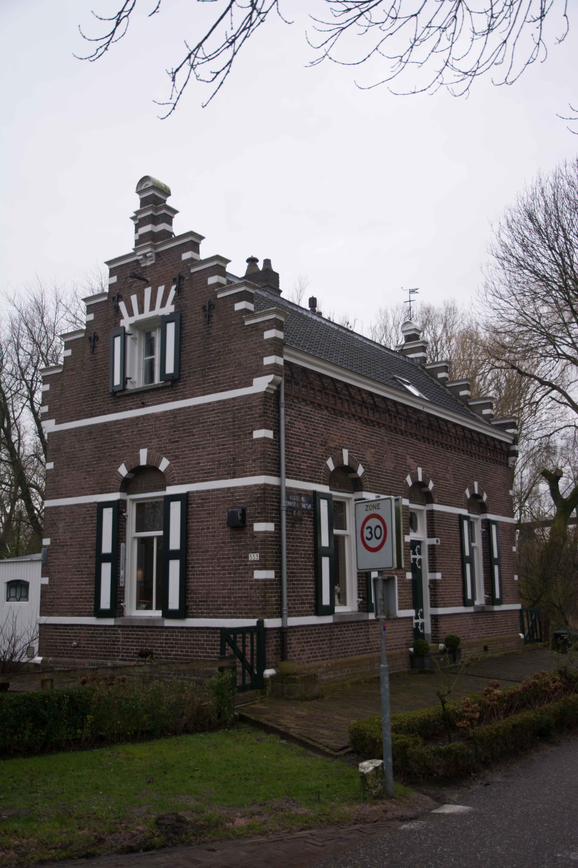12. Veerponthuis