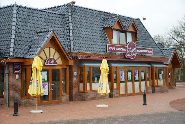 13. Restaurant