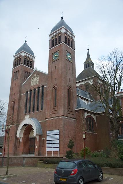 29. Quirinuskerk