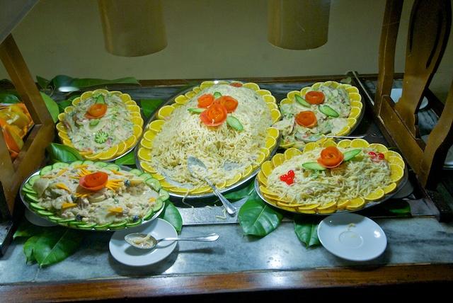 316. Saladebuffet