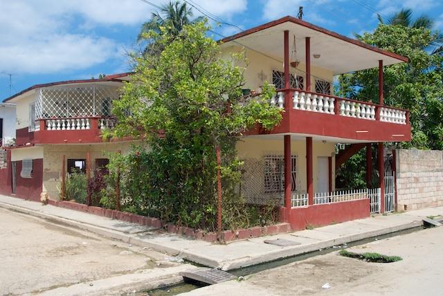 570. Huis Gladys