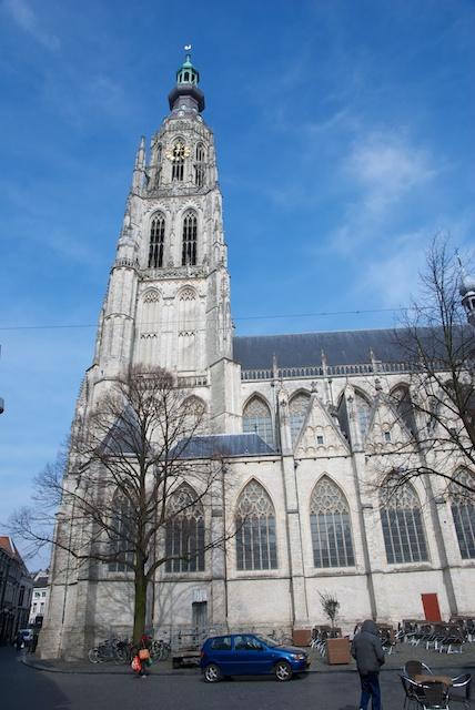 13. Kerk