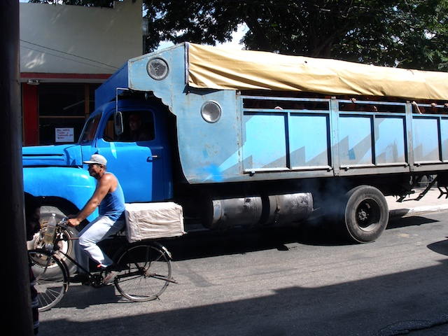 330. Vrachtauto
