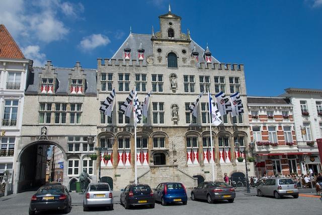 07. Stadhuis