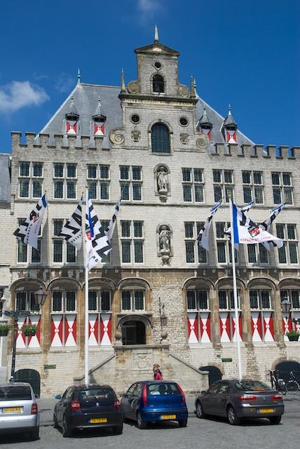 08. Stadhuis
