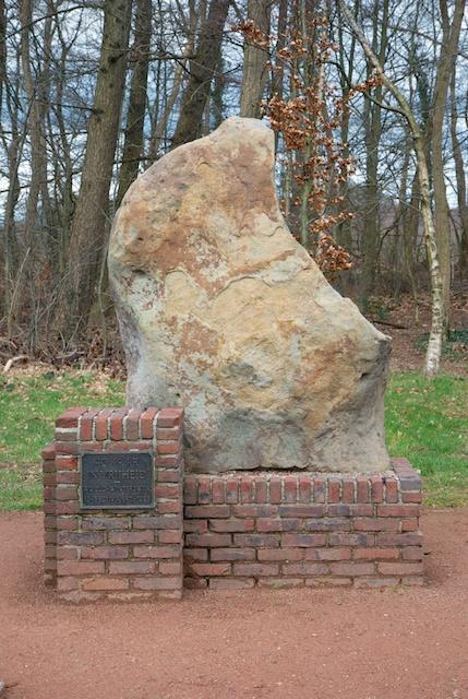 30. Monument