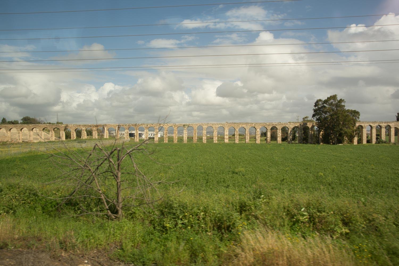 560. Aquaduct