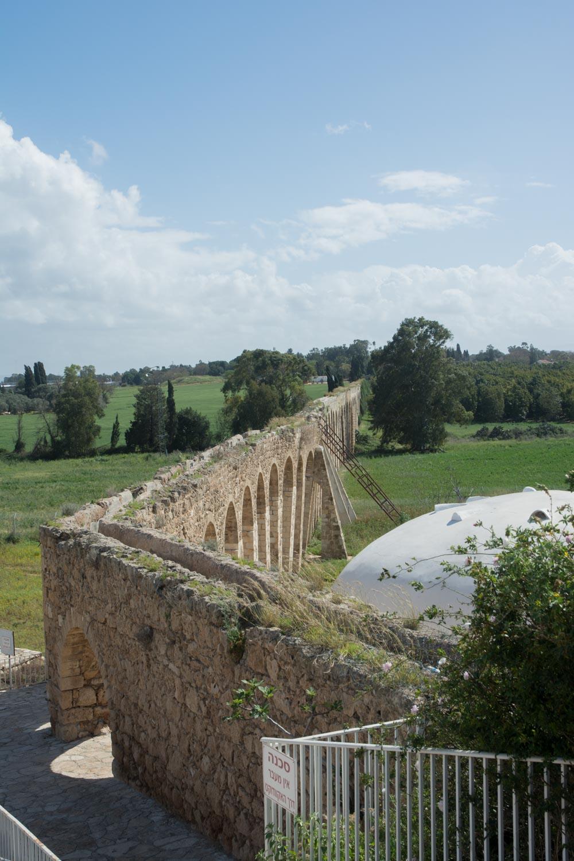 561. Aquaduct