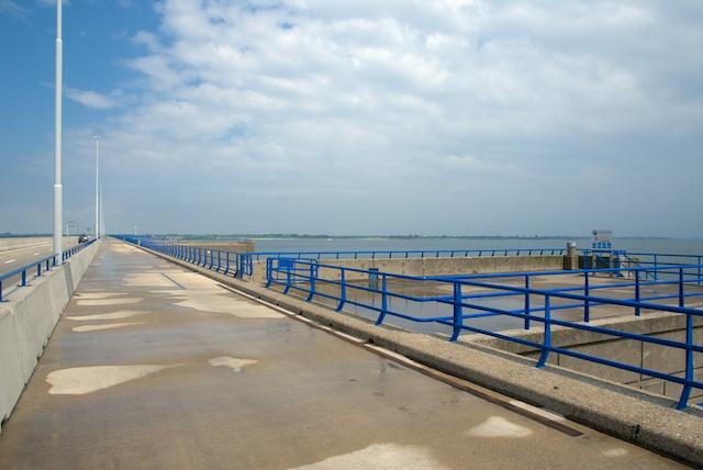 64. Haringvlietbrug