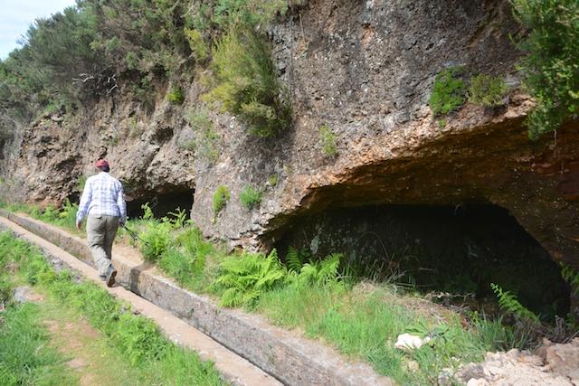 164. Grotten