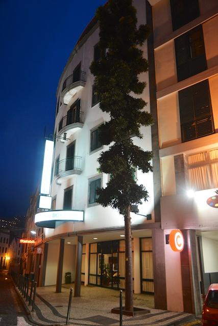 418. Hotel