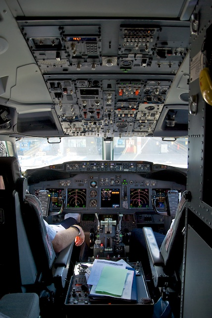 10. Flightdeck