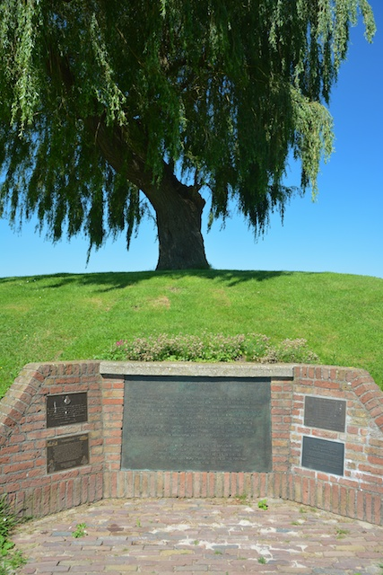 17. Monument