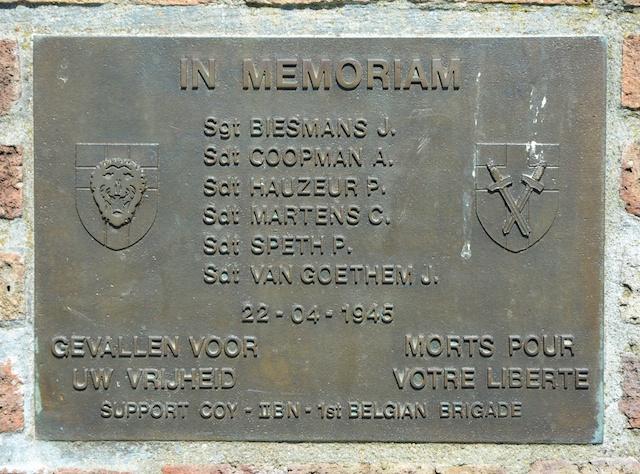 19. Detail monument