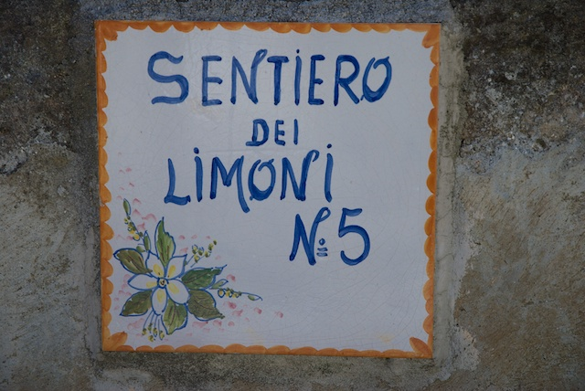 256. Sentiero