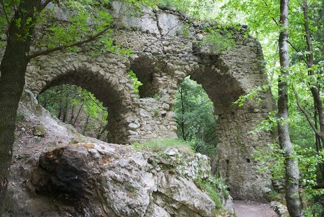 305. Aquaduct