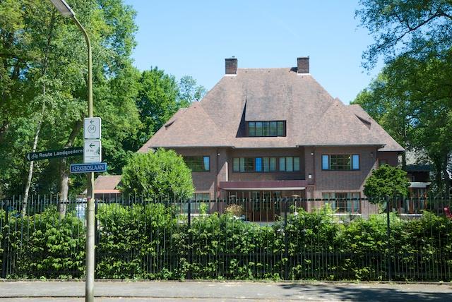 6. Villa