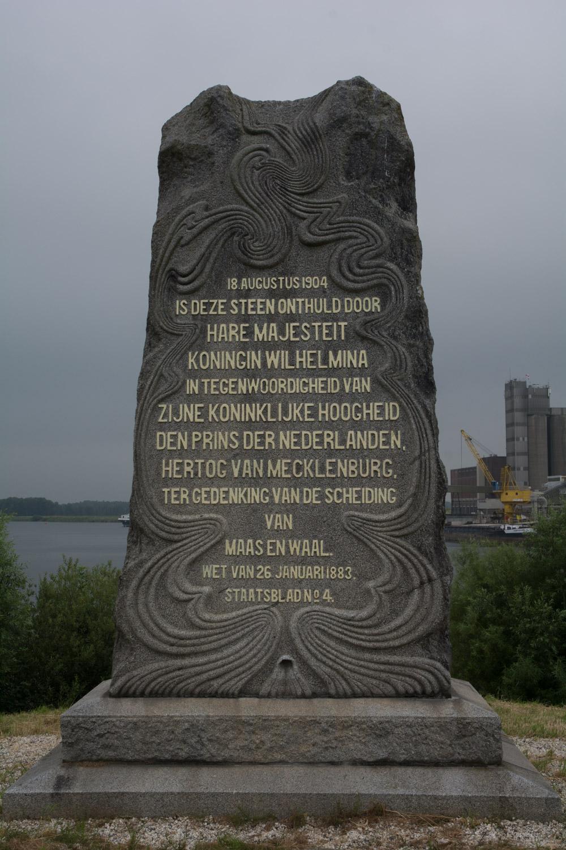 75. Monument
