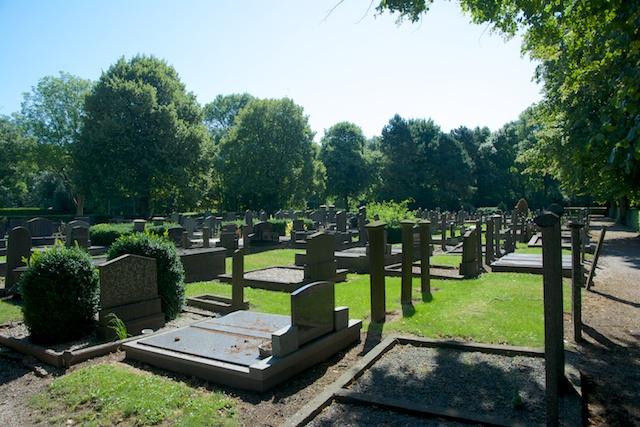 15. Begraafplaats
