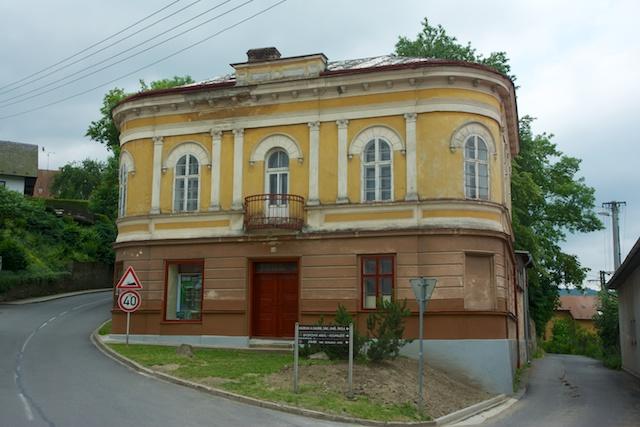 247. Villa