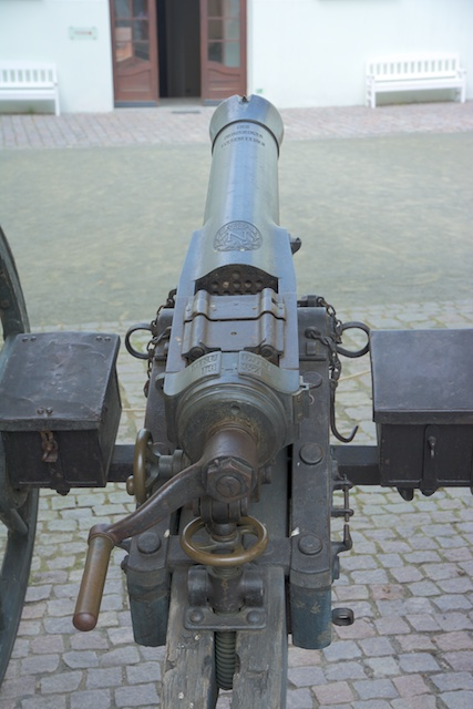 251. Mitrailleur