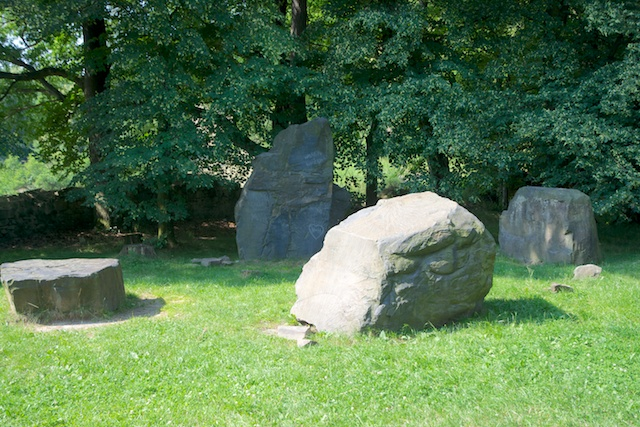 261. Stenen