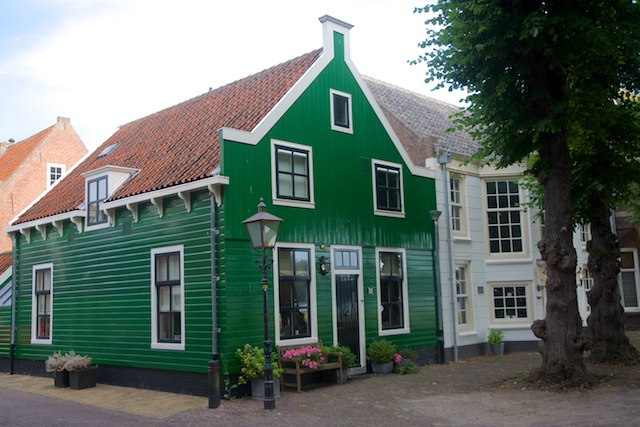 37. Groen huis