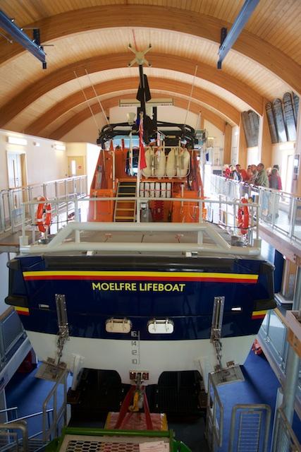 111. Reddingboot