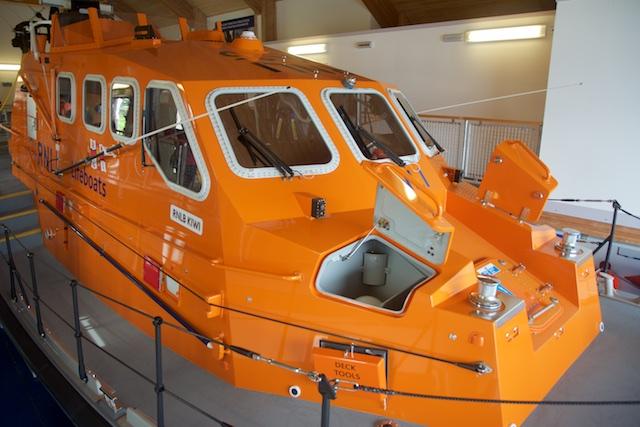 112. Reddingboot