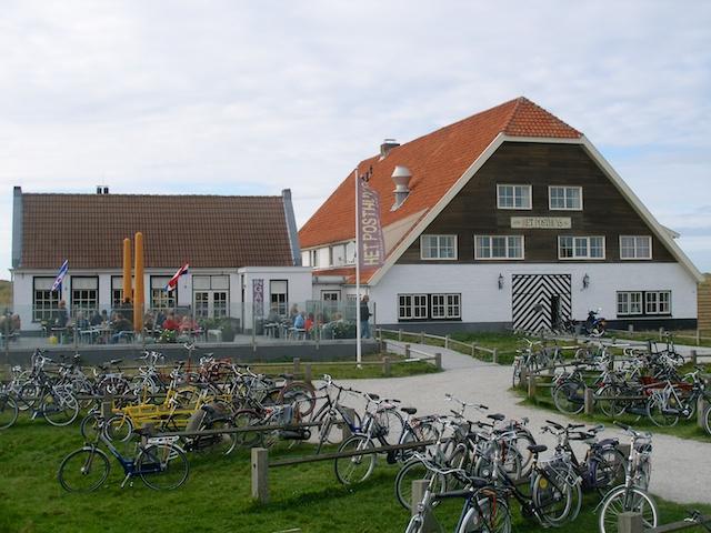 29. Posthuis