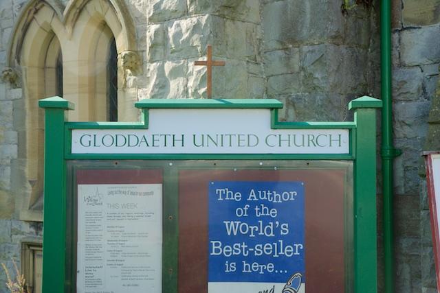 393. Gloddaeth kerk