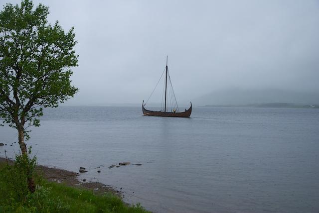 545. Vikingschip