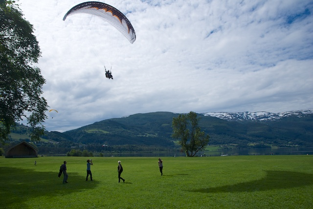 881. Paragliding