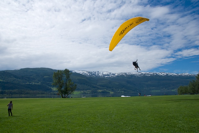 882. Paragliding