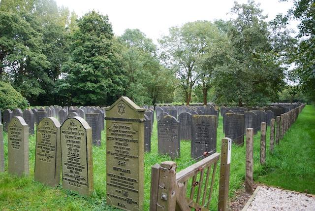 36. Begraafplaats