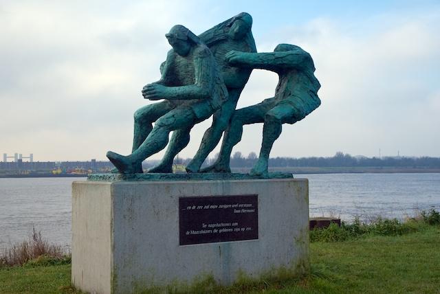 43. Monument
